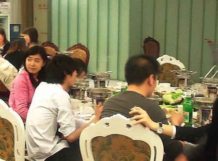 """参加""""互联网村""""聚会(2)丰盛的火锅材料 - sz1961sy - 沈阳(sz1961sy)的网易博客"""