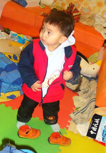 二岁的沈瑗杰开始主动脱外衣鞋子了 - sz1961sy - 沈阳(sz1961sy)的网易博客