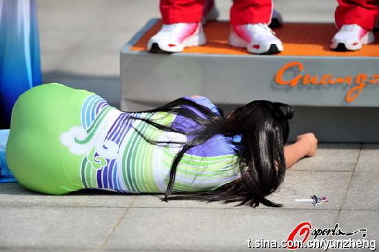 亚运评论三:向那位晕倒在亚运颂奖现场女志愿者致敬! - sz1961sy - 沈阳(sz1961sy)的网易博客